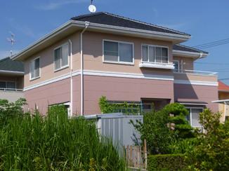 外壁・屋根リフォーム ツートンカラーを活かした明るい外壁