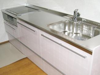 キッチンリフォーム 広々キッチンと開放感を感じるお部屋