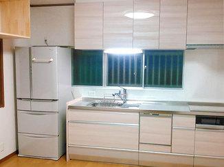 キッチンリフォーム 収納量はそのままにコンパクトなキッチンで部屋が広々