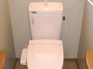 トイレリフォーム 10年水垢を防ぐ!特殊加工で長く使えるトイレ