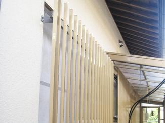 小工事 換気中の防犯対策も面格子で安心